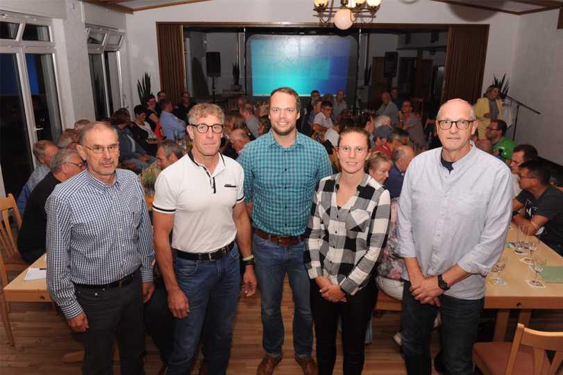 Neue und bereits bekannte Gesichter im geschäftsführenden Vorstand (v.l.): Reinhard Laszig (Finanzen), Rainer Bien (2. Vorsitzender), Thorsten Pelster (Vorsitzender), Theresa Boße (2. Vorsitzende), Reinhard Windoffer (Geschäftsführer).